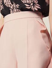 High Waisted Shorts With Ruffles : Un café à Montmartre color Pink