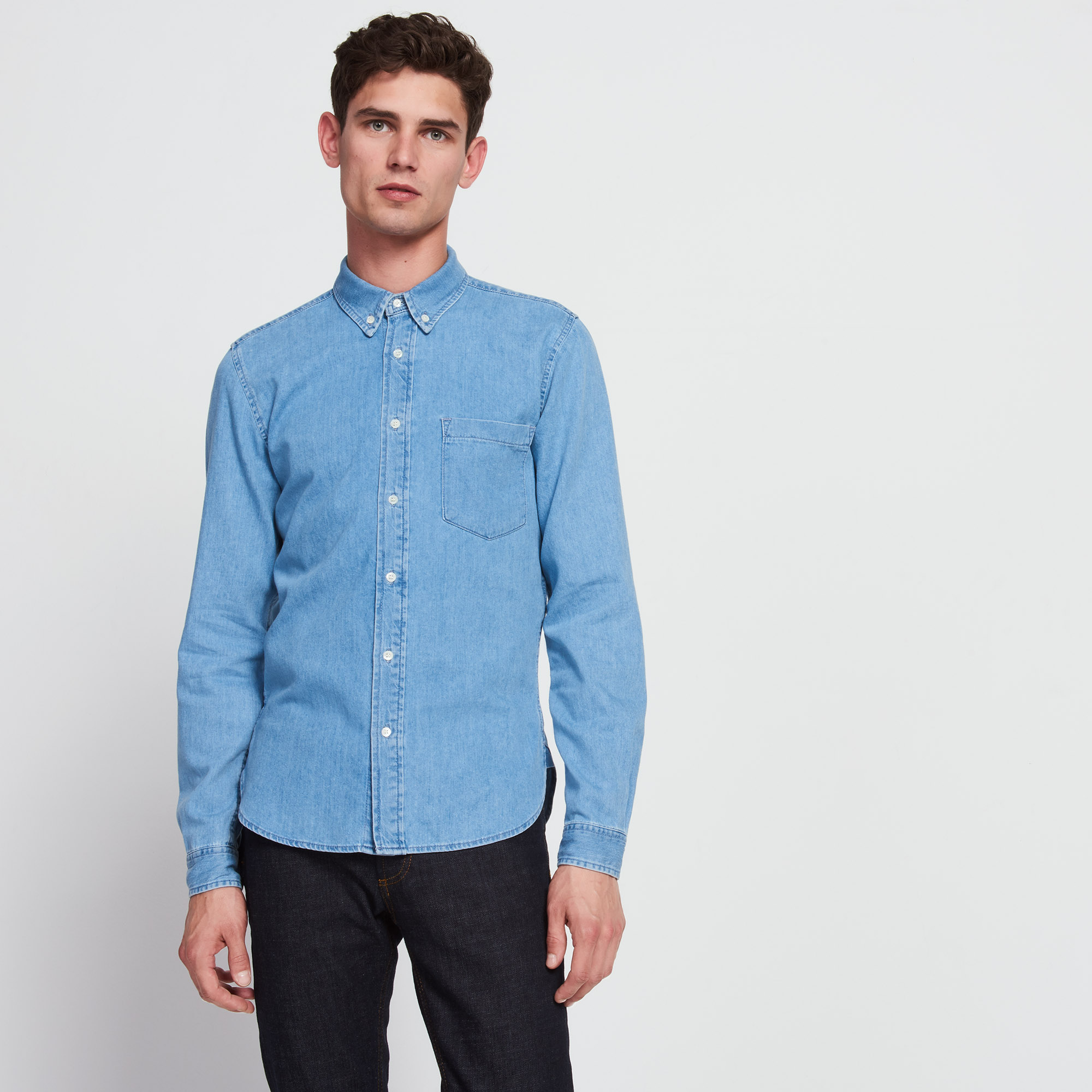 Denim shirts for men are actually one of the most popular clothing items when it comes to Spring and Summer. They come in all sorts of variations, ranging from thick and raw denim to lighter weight chambray and cotton, all in various washes.