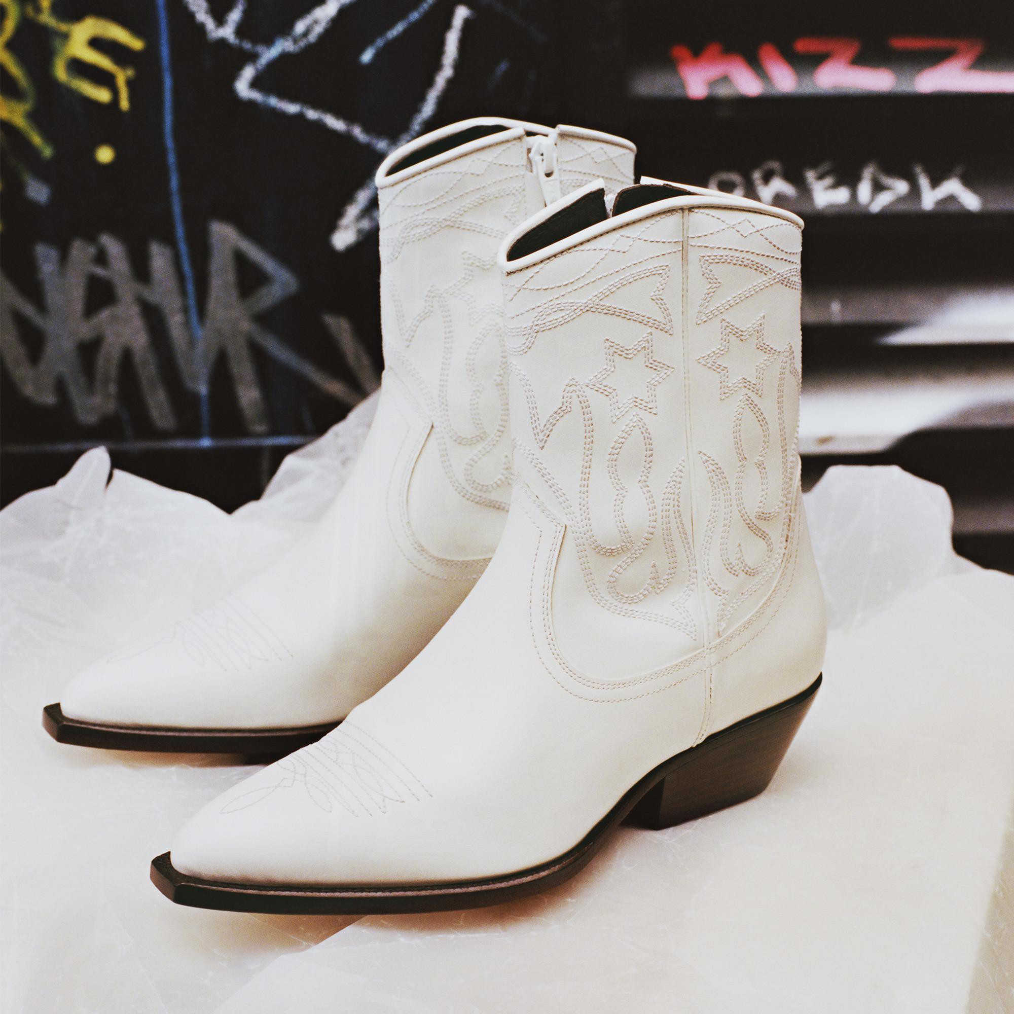 48d13d48f3d Leather cowboy boots